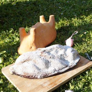 présentation moule lièvre de Pâques en terre cuite